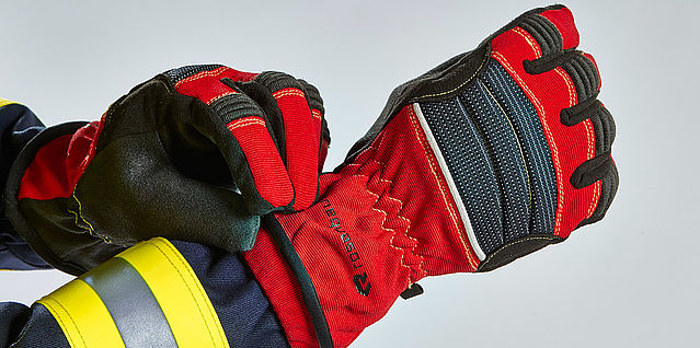 Extrication & structural firefighting gloves - Rosenbauer
