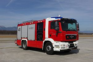 Airport rescue and firefighting with AT series - Rosenbauer