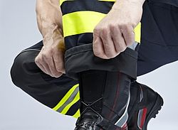 Fire safety clothing with absorption barrier - Rosenbauer