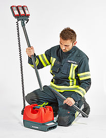 Easy height adjustment of the lighting equipment - Rosenbauer