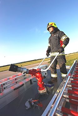Turret RM24 easy to use - Rosenbauer