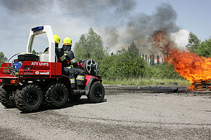 Special airport fire vehicles in operation - Rosenbauer