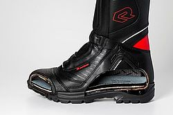 Sole-design for firefighter boots - Rosenbauer