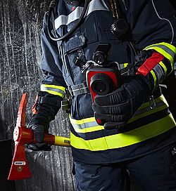 Firefighting thermal imaging camera in operation - Rosenbauer
