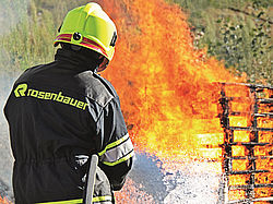 POLY EXTINGUISHING SYSTEM SL500-6000 - simple extinguishing procedure - Rosenbauer