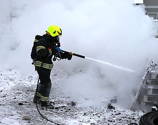 Ultra high pressure systems for fire fighting - Rosenbauer