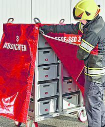 Roll-on/roll-off container accessories for fire fighting - Rosenbauer