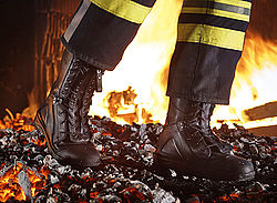 Fire safety boots with highest protection - Rosenbauer