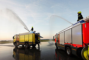 Aircraft rescue and firefighting in operation - Rosenbauer