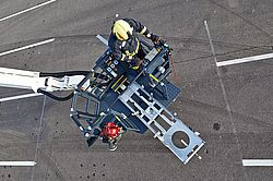 Rosenbauer rescue cage - swiveling stretcher support