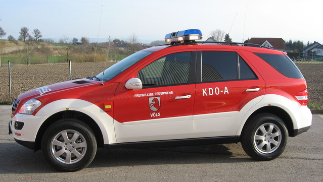 Mobile command vehicle for small operations - Rosenbauer