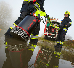 Flat suction with submersible pump NAUTILUS - Rosenbauer