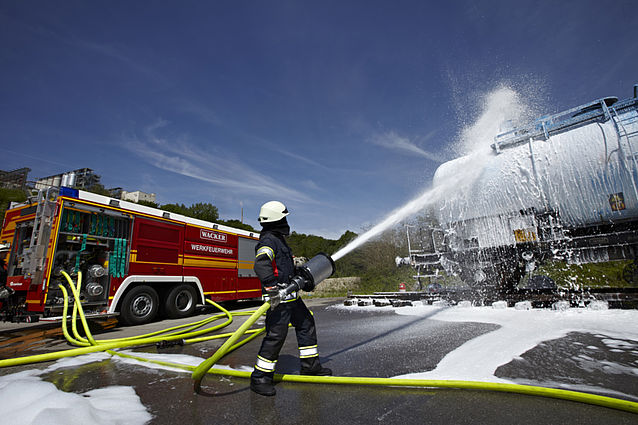 Fire tanker CBS Industrial in action - Rosenbauer