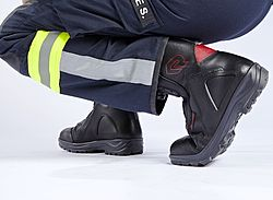 Fire fighter with Flex Zones - Rosenbauer