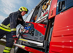 Power generator stored in vehicle - Rosenbauer