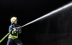 Stream patterns fire hose nozzles - Rosenbauer